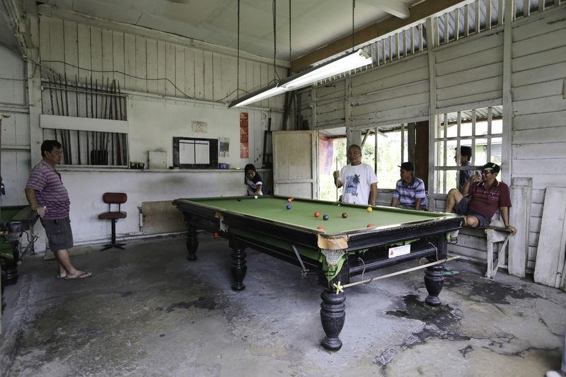 Billaird Player Billiard Billiard Table Born Kinarut Playing Billiard Sabah Small Town Village Folks