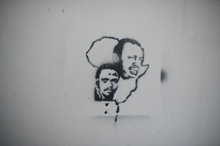 Africa Africa Art And Craft Close-up Day Human Representation Stencil Steve Biko Thomas Sankara Wall - Building Feature Writing