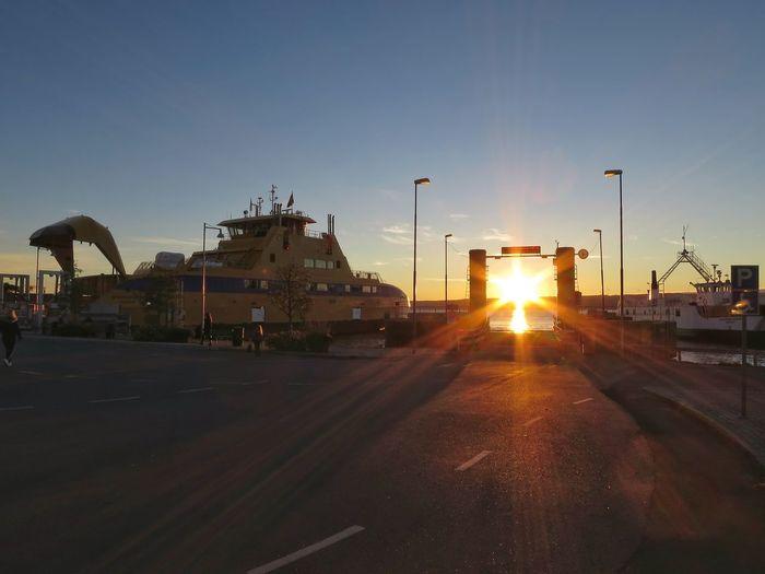 Harbour Sun Sunlight Sunbeam Morning Light Morning Sky Sunrise Commuting Ferries