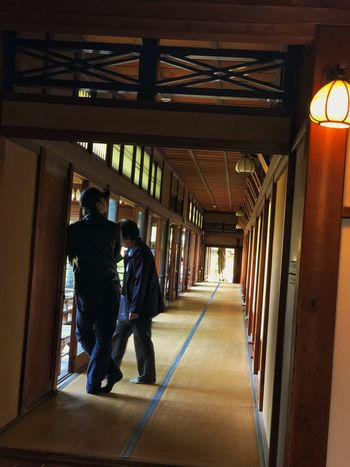 Corridor/帝釈天 Walking Indoors  Full Length Men The Way Forward Corridor Built Structure Real People Two People Architecture Lifestyles Day Adult People Adults Only IPhoneography IPhone X