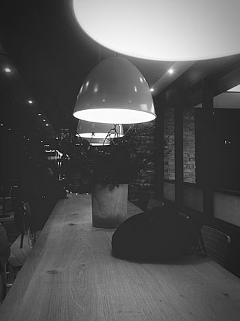 Light And Shadow Table Interior Design Black And White