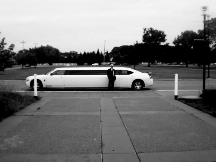 Limoloving Yourrideawaits Limousine Chauffeur Classy Elegant