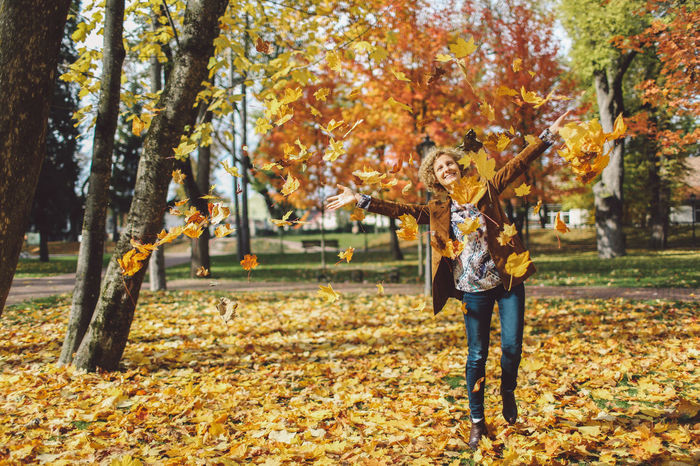 Adult Autumn Autumn Autumn Colors Autumn Leaves Beauty In Nature Change Colors Curly Hair Girl Joy Leaf Leafs Men Nature Outdoors Park People Smiling Tree Trees Two People