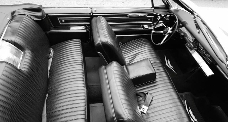 Entourage ready. Interior Views Interiors S6 Cadillacs EyeEm Best Shots - Black + White Black And White Photography Black & White B&w Edit Eyeemphotography EyeEm Gallery EyeEm Best Shots Two Is Better Than One Monochrome Photography