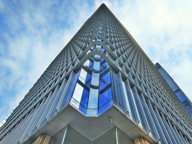 凌空 Building Exterior Architecture Built Structure Low Angle View Sky Blue Window No People Outdoors Modern Cloud - Sky Skyscraper