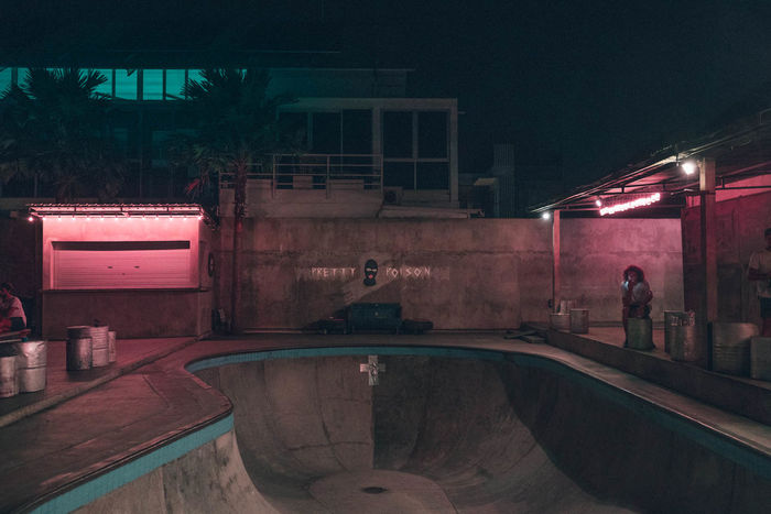 Night Photography Skateboarding Skatepark Architecture Built Structure Empty Pool Illuminated Neon Neon Lights Night Outdoors Pool Real People Skate Pool Skateboard Skateboard Park Skateboarder Sport