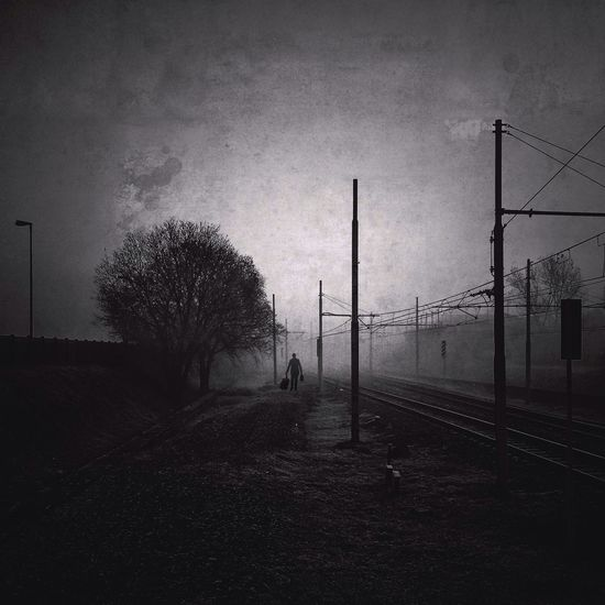 The constant traveler | taken with iPhone 5S | edited with PicFx//Filterstorm neue//Snapseed apps Youmobile AMPt_community Streetphoto_bw
