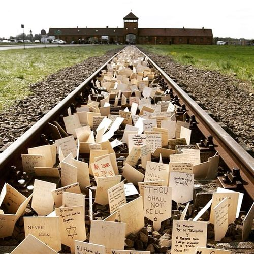 Auswichtznuncamás Holocaustojudío KingOfKings JehovaNissi Dileaunamigo
