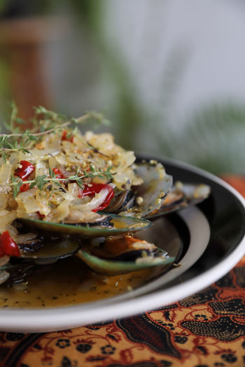 Mussel Seafood Food Food And Drink Healthy Eating Ready-to-eat Vegetable Serving Size Salad Meal Kitchen Utensil Dinner