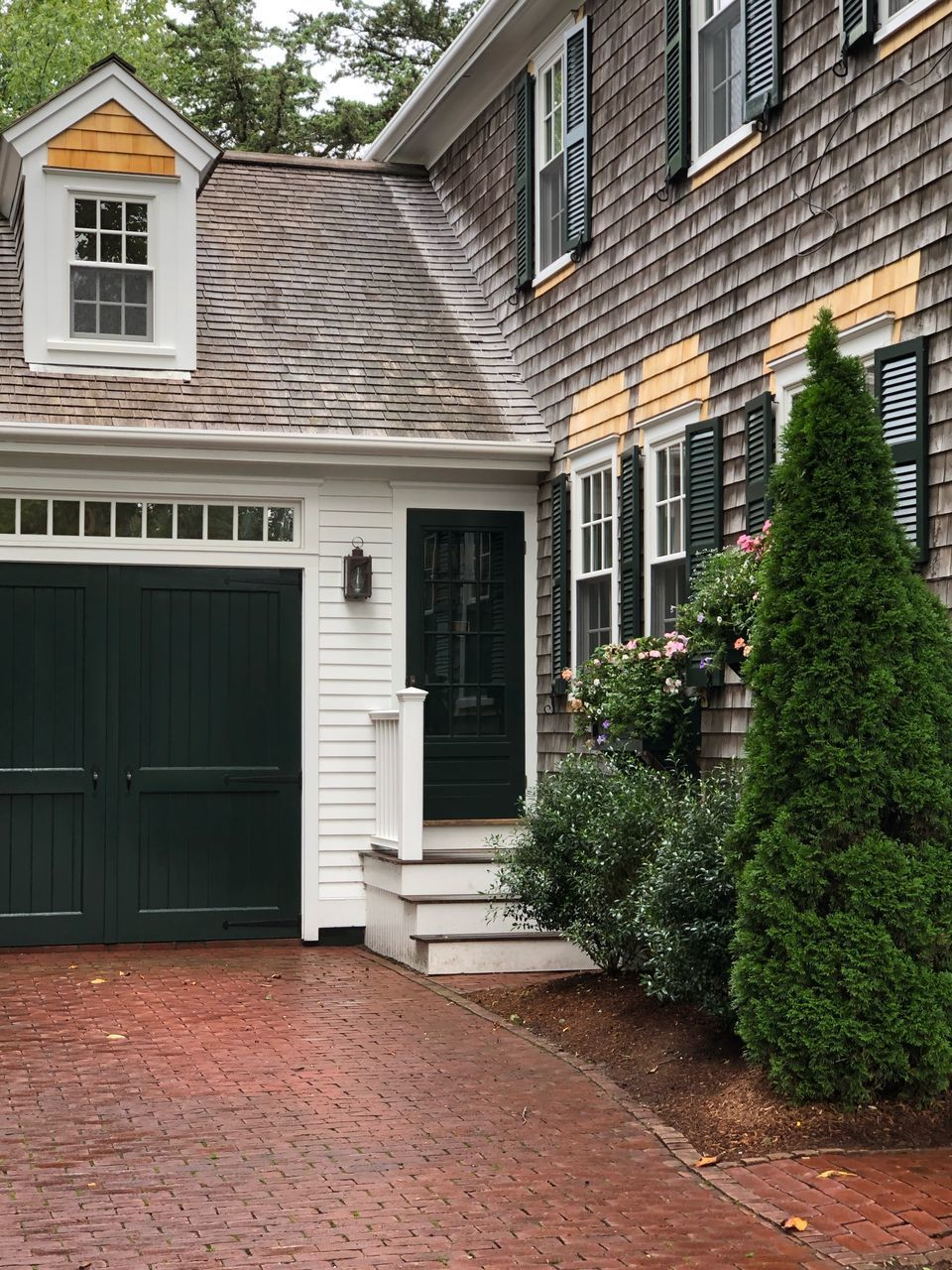 architecture, built structure, building exterior, building, window, plant, tree, house, residential district, no people, day, nature, door, entrance, outdoors, christmas, celebration, green color, front or back yard, holiday, garage