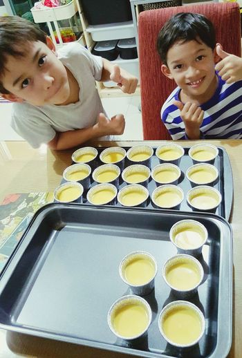 Helped the boys make Mango Pudding...gonna be yum..yum.. ! My Love Homemade Dessert Mango Pudding What Makes Me Smile My Kids Check This Out Taking Photos