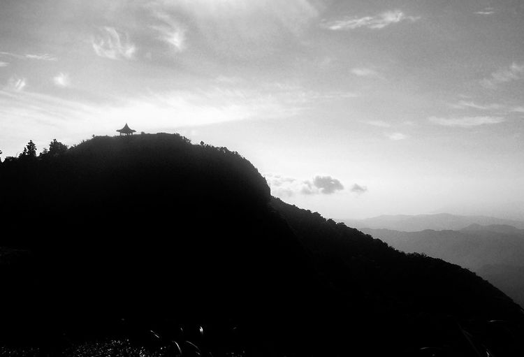 Monochrome image of Wufenshan, close to the summit. Wufenshan is a peak in northern Taiwan on the boundary of Pingxi and Ruifang. Ruifang, New Taipei Taiwan Wufen Mountain Wufenshan Beauty In Nature Black And White Day Landscape Monochrome Mountain Nature No People Outdoors Pingxi Scenics Silhouette Sky Tranquility