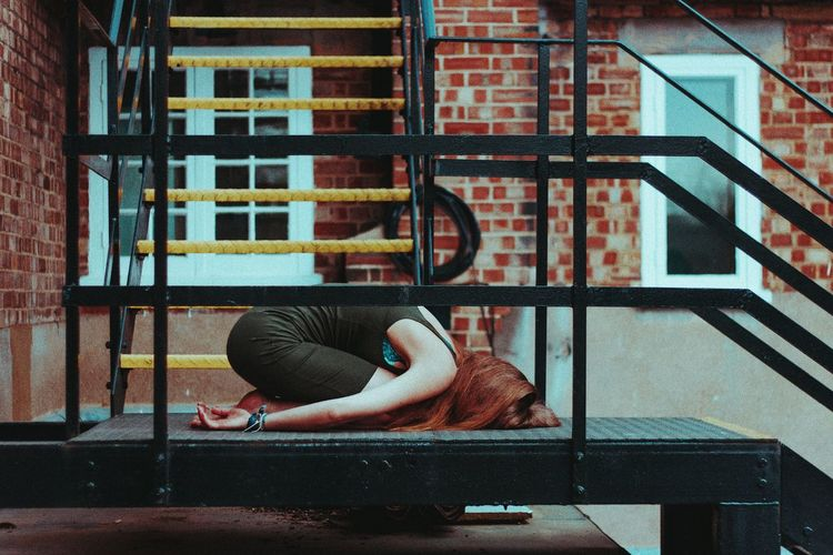 Randomly laying around. // Lost in the Landscape EyeEm Best Shots EyeEmNewHere EyeEm Selects EyeEm Gallery Modeling Sitting Window Architecture Building Exterior Built Structure Office Building My Best Photo