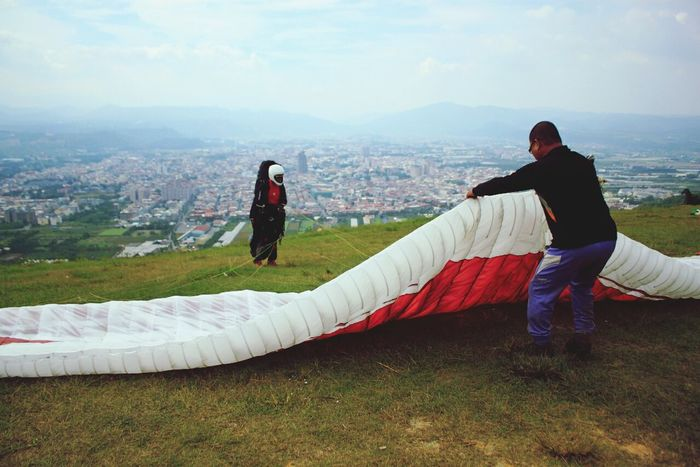 Ready... Where Do You Swarm? Paragliding