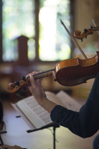 Playing Violin Arts Culture And Entertainment Close-up Music Musical Instrument Musical Instrument String Musician One Person Performance Play Violin Playing Plucking An Instrument Skill  Violinist Woodwind Instrument Young Adult EyeEmNewHere Lieblingsteil Lieblingsteil Second Acts