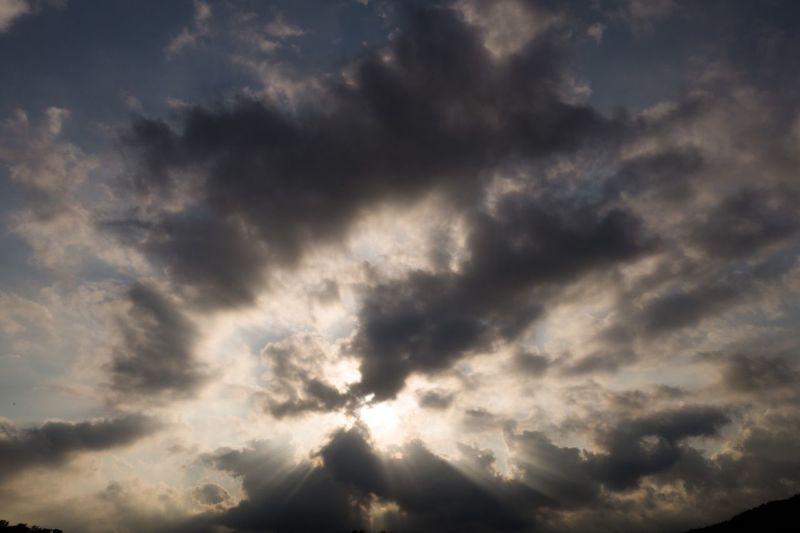 撿到寶 不過其實我不是很會拍這個 Clouds And Sky Sunshine