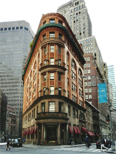 Delmonico's Façadeporn BuildingPorn Facades Facadelovers Patternseverywhere Exterior Exterior View Architecture Outdoors Building Exterior First Eyeem Photo Archilovers Architectureporn Newyorkcity NYC NYC Street Photography NYC LIFE ♥ NYC Street Whatisawinnyc Seeyourcity Seemycity Newyork_ig Manhattan Financial District  EyeEmNewHere