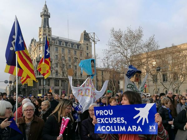 Siria Solidarity Catalunya Catalonia Barcelona Large Group Of People EyeEmBestPics Crowd Demonstration Eyeemphotography Community Cityscape Downtown District Law EyeEm Gallery Social Issues Participant Charity And Relief Work Adults Only Pleading
