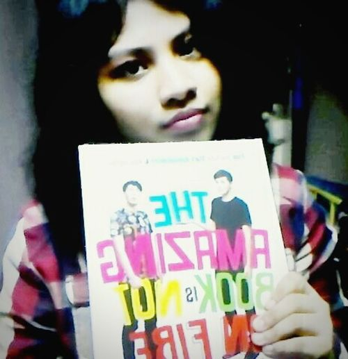 Finally got a piece of art from these two dorks hands named Dan and Phil wow 😍💜💜 Tabinof Theamazingbookisnotonfire Phan  Phandom Selfshot Selfie ✌ Selfie ♥ Pictureoftheday Photooftheday Excusemyuglyface Room Dark Dark Room Girl Youtube Youtubers Dorks British British Youtubers Art Book Plaid Shirt  Red Taking Photo Faces Of EyeEm