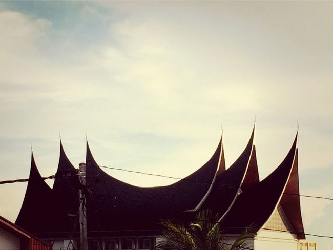 Rumah gadang Capture The Ride With Uber