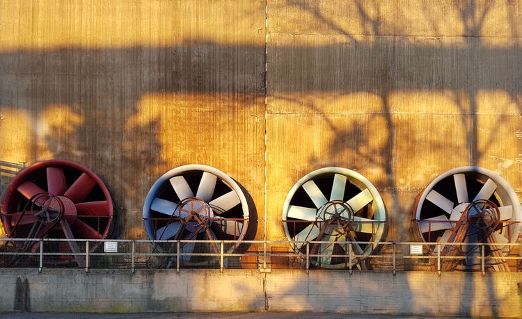 Winter sun No People Built Structure Outdoors Walls Architecture Air Duct Technology Round Objects Urban Geometry Full Frame Building Exterior Adapted To The City Rusty Faded Steelwork Industry Vintage Facades Factory Steel Abandoned Winter Reflection Shadow The Architect - 2017 EyeEm Awards