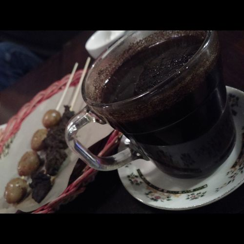 Ngopi time bareng Jagir Family ? Surabaya Angkringan Jogja Yogyakarta coffee kopi satay sate egg indonesiabagus tradisional