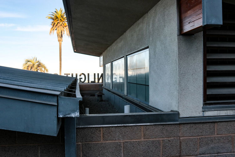 Built Structure Architecture Building Exterior Window Outdoors No People Sky Day City Tree Wall - Building Feature Text Beach Moonlight Beach Encinitas California City Modern Architecture