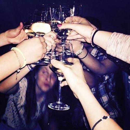 Στην Ακτή με το ζουζούνι μας για το πιο αγαπησιάρικο Christmas Eve ιν άουρ λάιβς. Λοβάρουμε ξεκάθαρα. {December 24th} αθηνούλα ακτήπειραιώς κόντραντουέτο τοπιοζουζουνιάρικοchristmaseveείναιτοφετινό FriendsAreFamily Nightout Drinkinglikefishes Wine Cheers Lights Nightlife Havingfun Singing BeingHappy Loveisintheair Justbreath αγαπάτεταμαϊμούδιατηςζωήςσας Happychristmaseve😁 VSCO Vscolove Vscoeve Vscomood Vscofriends Vsconights Vscocheers instaathens instasinging instamood instalifo instadaily