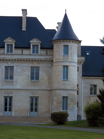 right wing of the castle Castle Architecture Building Exterior Day No People Outdoor Vertical Photography Château 城堡 Eyeem Best Shots - Castle In France