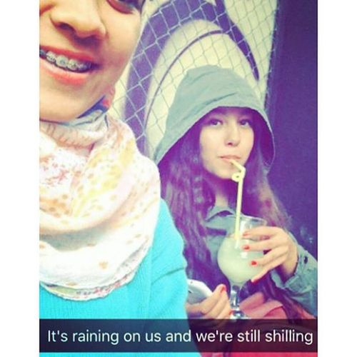 Lol😹 Rainnyday💧☔☔ Outside😘 Snaping Overdose Overtalk Laughter😆 Relax👍 Juice🍷 Cold Wintertime Withmyfriend Emna 👭