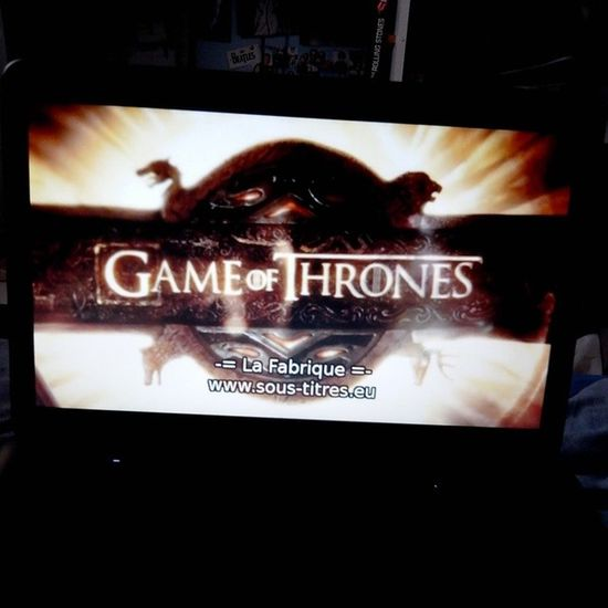C'est parti ! Gameofthrones Saison 2 Episode 7 addicted series jonsnow winterfell stark lannister daenerys winteriscoming