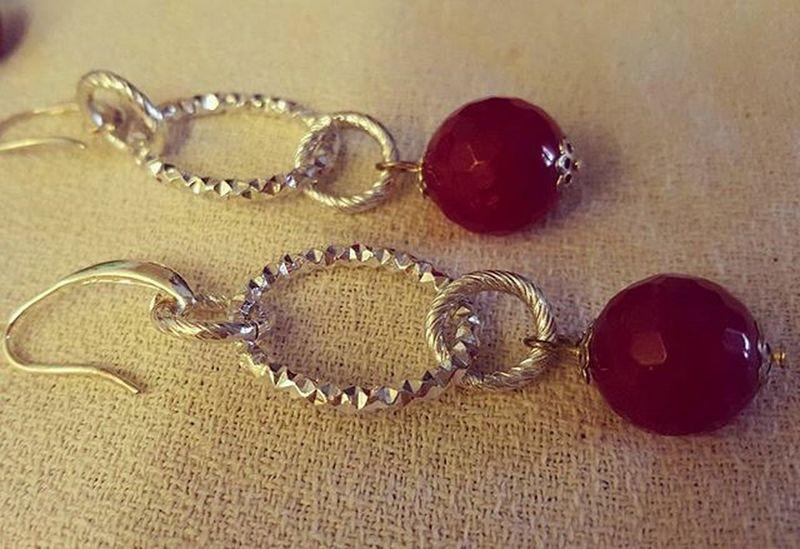 Earrings with ruby root stone Earringshomemade Jewelryhomemade Bigiotteriaartigianale Orecchinifattiamano Bigiotteria Rubyroot Rubyrootstone Radicedirubino Hobby