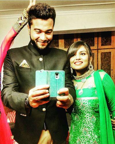 We allways hav d best of d piks together Choti Memories Photobombing Cute Wedding Instaselfie Kashmir