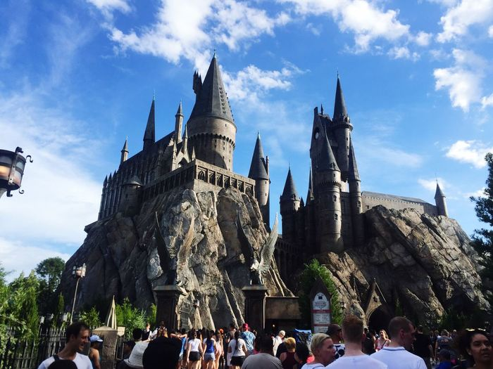 Orlando Universalstudios Universal Studios Orlando Hogwarts Hogwarts School Of Witchcraft And Wizardry Harrypotter Harry Potter Harry Potter ⚡ Architecture Bright Florida Florida Life