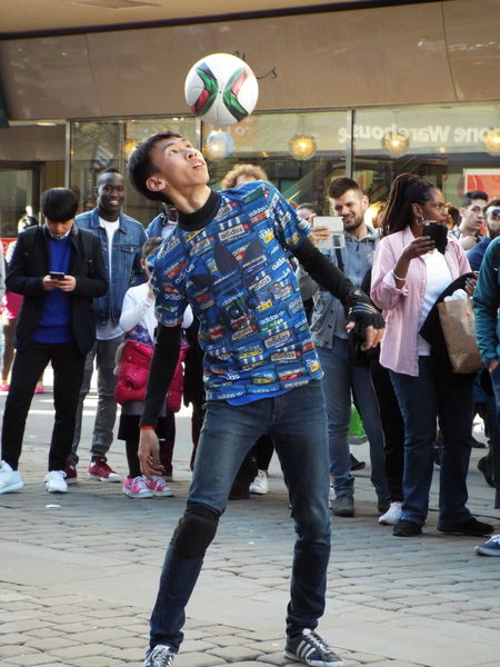 Up Close Street Photography Football Entertainment Street Entertainment Street Entertainer The Street Photographer - 2016 EyeEm Awards Football Fever Street Performance Street Performer