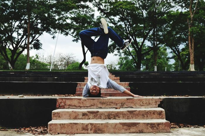 Hip hop dance element Hiohop HipHopStyle Hiphop Dance HipHop Hiphoplife Hiphopmusic Tree Low Section Full Length Sport Sky Steps And Staircases Escalator Spiral Stairway Stairs Spiral Staircase Steps Hand Rail Spiral Stairs Staircase