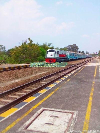 Ex Ducky Locomotive Cc 201 83 18/Cc 201 56 Purwokerto locosheld, hauled Krakatau Ekspres train The Week On Eyem Krakatau Ekspres Train GEU18C Kereta Api Indonesia Indonesiarailways Trainphotography