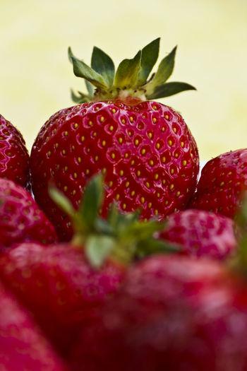 Erdbeeren 🍓😋 Essen Kuchen Cake Erdbeeren Frucht Früchte Juni Nuss Obst Rot Strawberries