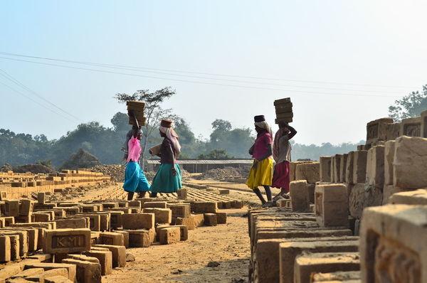 Working women. Brickswork Dailylife Documentary Photography Journalism People Place Workers Working Woman First Eyeem Photo