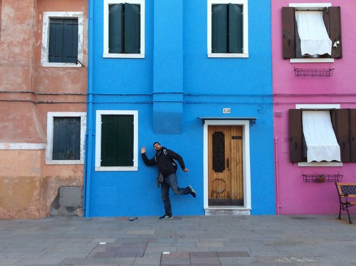 The Tourist Travel Italy❤️ Bourano Island Colors Built Structure Building Exterior Funny Man