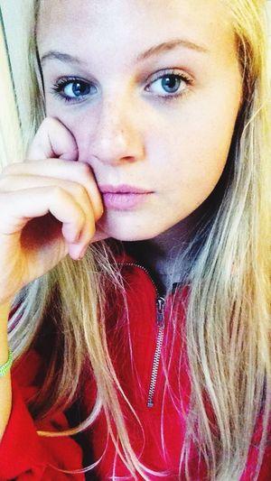 Girl Selfies Deep Pose Lips Blonde Face Summer