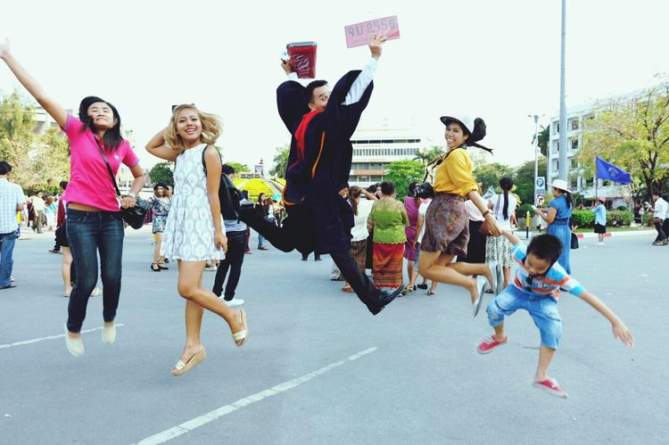 THESE Are My Friends friend's graduation. 😉 Taking Photos Check This Out Jumpshot Hello World Enjoying Life