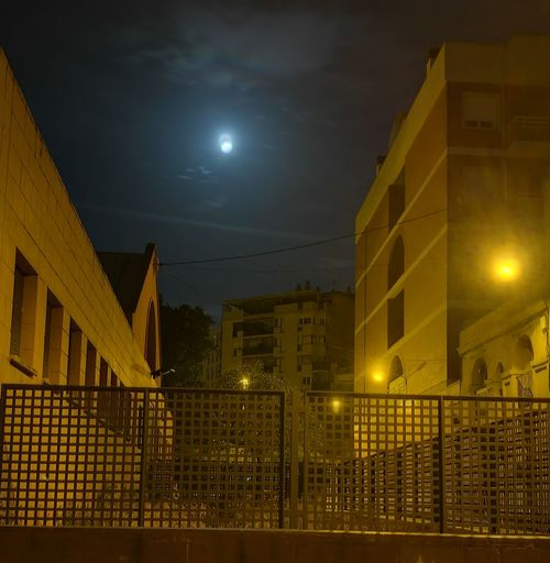 Moontime Ligth And Shadow Urbannight Barcelona Lonely