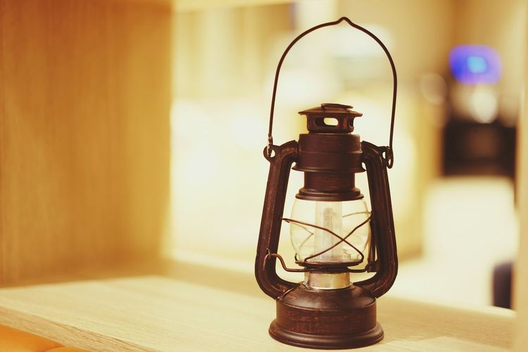 Warm Old Candle Flame Fire Hot Vintage Lamp Dark Light Shadow Softlight  Laboratory Technology Aromatherapy Bottle Close-up Oil Lamp Diwali Counter Diya - Oil Lamp Focus On Shadow Long Shadow - Shadow