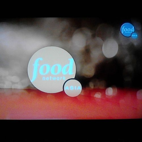 Telly's always on this channel. I looove it. :) Foodnetwork FoodNetworkAsia :)