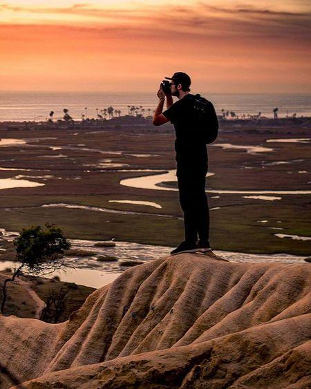 I like taking photos of people taking photos. Maybe someday I'll take photos of people taking photos of people taking photos. Ahh photography aspirations.. Here's @dripcult shooting the Solana Beach sunset. ____________________________ 75mm, Canon 5d Mark III (1/15, 50 ISO, f/4) ____________________________ Exploretocreate Streetdreamsmag Artofvisuals Visualsoflife Livefolk @instagood Thecreative VSCO HSDailyFeature Creativevagrants Byfolk Mobilemag Illgrammers Createcommune Way2ill Wildnernessculture Moodygrams Fatalframes Heatercentral Travelawesome Agameoftones Canon_photos Instagoodmyphoto @agaomeoftones @Canon_photos Killyourcity Mkexplore Urbanexplore urbex exploresandiego mushroomcaves @countyofsandiego @igerssandiego @rethinksandiego Solanabeach