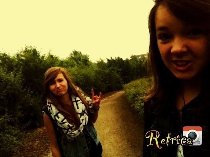 love her That's Me Taking Photos With My Bestfriend
