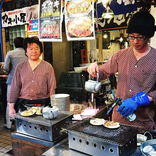 親子…笑。 People Watching Tsukiji Tokyo Japanese  People Of EyeEm 人間観察 築地 Japan Monday Market