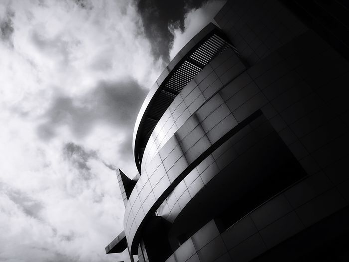 EyeEm Best Shots - Black + White Black & White Monochrome _ Collection The Best Angles In Arquitecture EE Architecture Sky Built Structure Cloud - Sky Building Exterior Day Modern City
