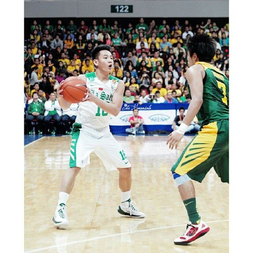 Thomas Torres added up 6 points in Green Archers' 74-69 victory over FEU Tams, Saturday at MOA Arena claiming second seed in the final four. @iamthomastorres Uaap76 Basketball DLSUvsFEU Playoff